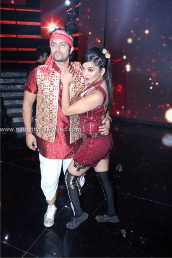 sonakshi sinha hot at nach baliye 2017IMG_3597_wm