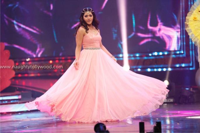 Zee Tv Apsara Awards (2)_wm