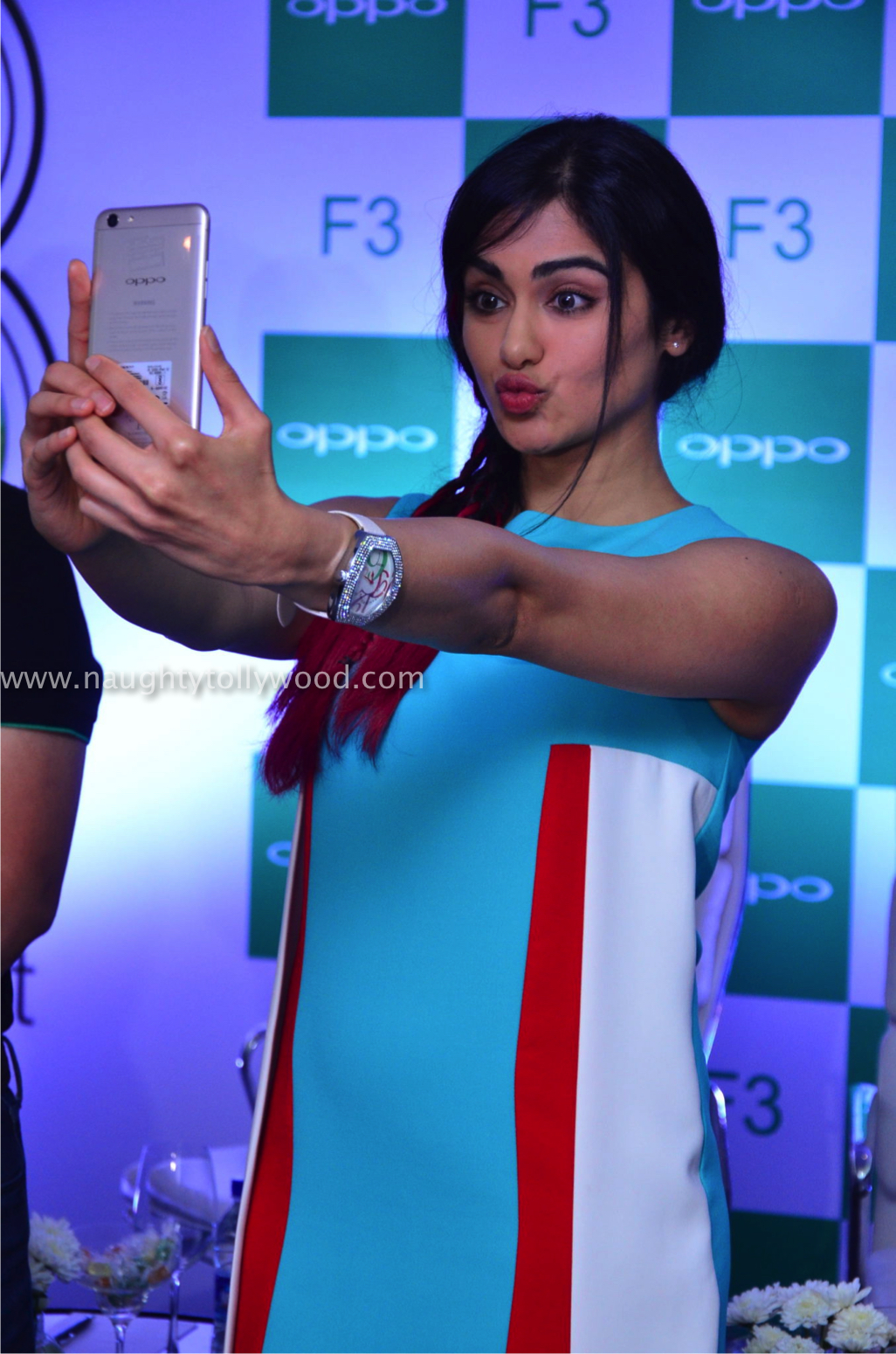 adah sharma launches oppo mobile 34_wm