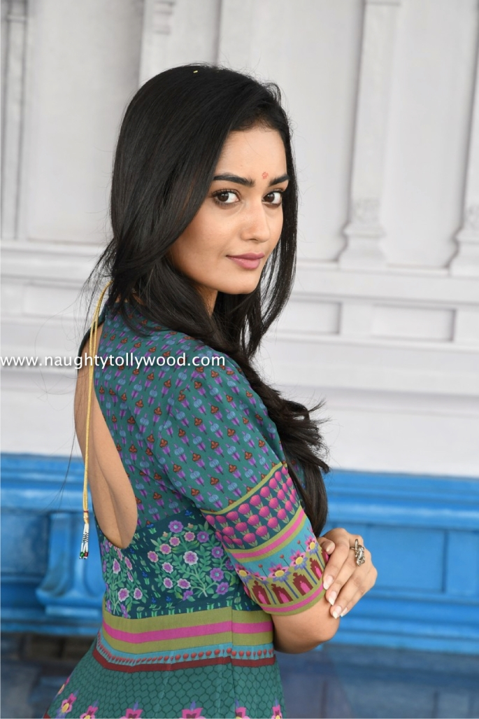 tridha chowdary at manjula movie opening Tredha Chowdary (3)_wm